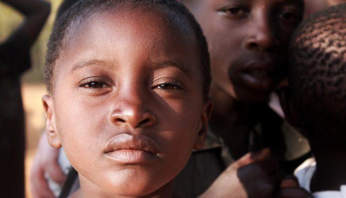 活在無力世代中:那些對世界不再感到熱情的孩子