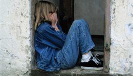 孩子的行為背後都有原因,別羞辱犯錯的孩子;他們需要的,是了解、是教育、是方法